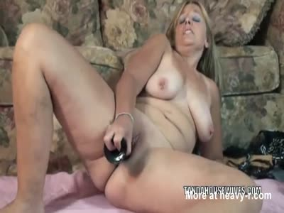Getting Wife To Fuck Black Dildo - Housewife Fucks Big Black Dildo