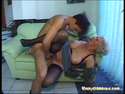 nude-pics-of-horny-grannies-fucking